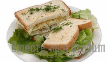 Сэндвич с сельдью и яйцом