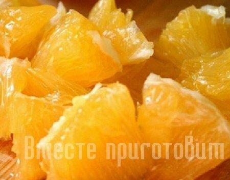 Ролл с апельсином и киви
