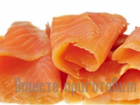 Печенье с красной рыбой и яйцом
