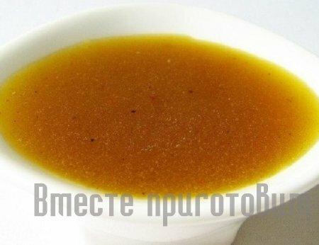 Салат с сыром моцарелла и помидорами вялеными