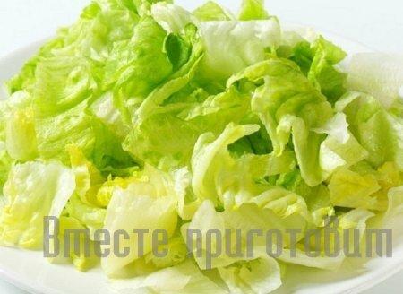Салат зелёный с морепродуктами